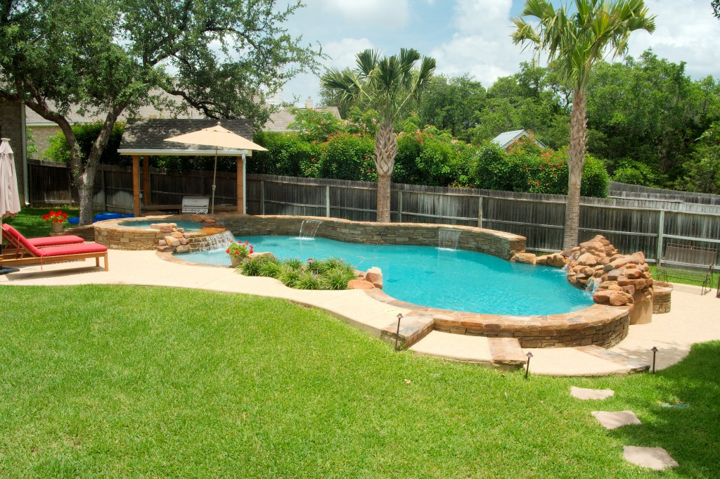 Residential Pool Designs | Freeform, Geometric, Vanishing Edge