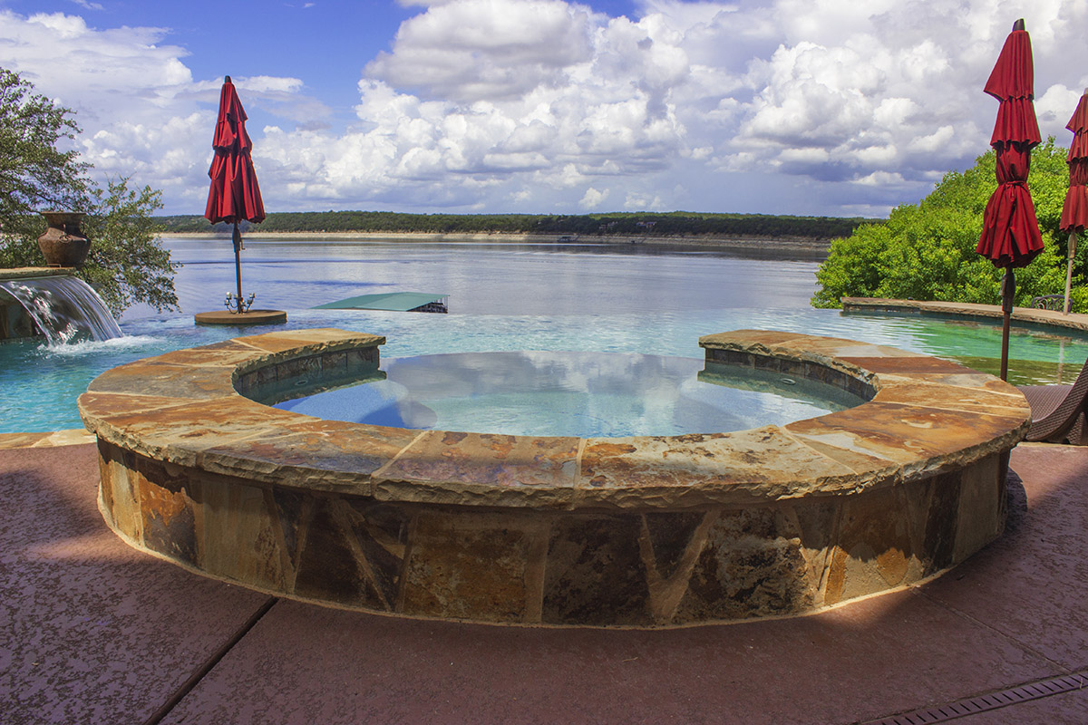 Vanishing Edge Pool Designs by Cody Pools Austin, Houston, San Antonio